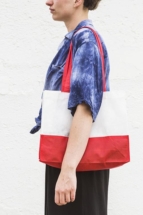 Bolsa de no-tejido bicolor horizontal 38x29+10 cm.