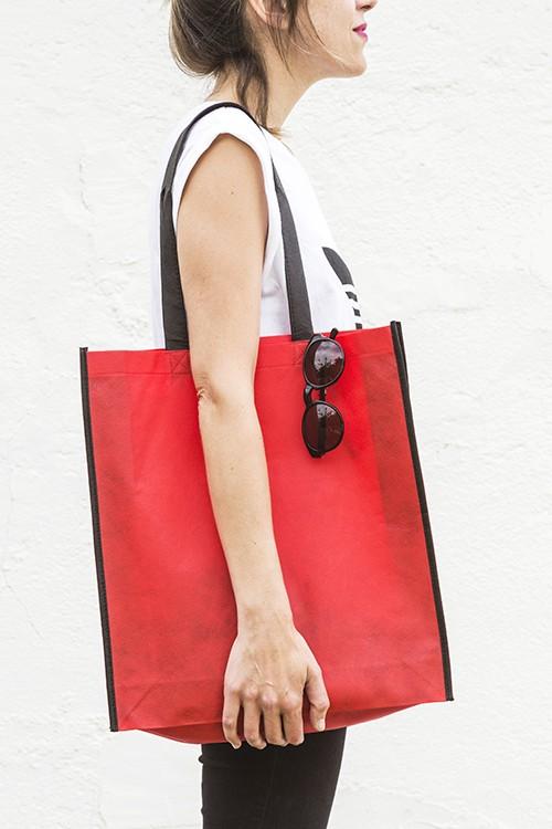 Bolsa de no-tejido vertical 38x42+10 cm.